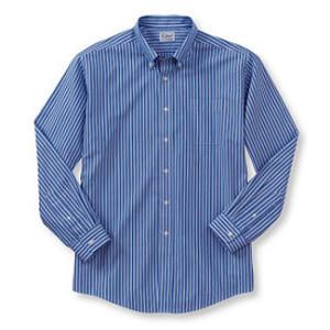 A Camisa Social Masculina pode variar no colarinho, punho, largura e comprimento conforme a moda, mas é básica e compõe o visual masculino tanto social quanto casual. Todo homem tem que ter uma. Segue moldes do 36 ao 52 ou do número 1 ao 9.