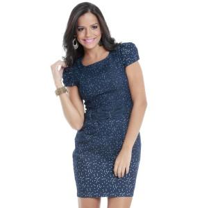 Um vestido simples de fazer. Pode ser usado com um cintinho colorido ou feito do mesmo tecido, como este do modelo das Lojas Marisa. Segue moldes do 36 ao 56.
