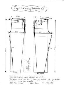 Esquema de modelagem de calça skinny tamanho 42.