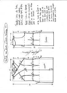 Esquema de modelagem de vestido tubinho com decote cruzado tamanho 54.